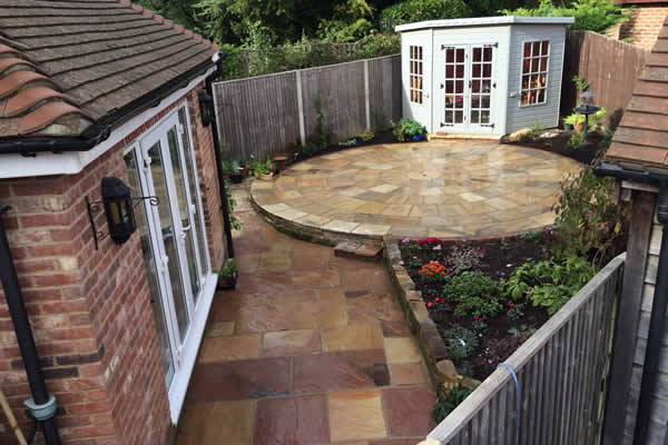 Decking And Paving Belle Gardens 01580 201354