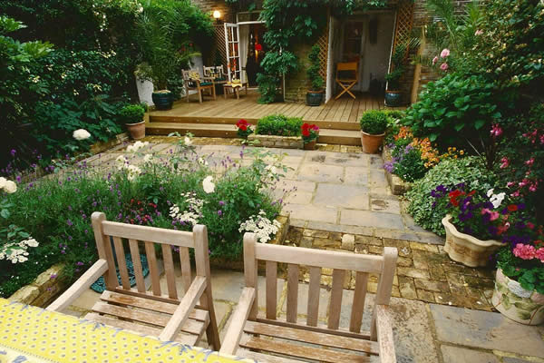 Decking and paving belle gardens 01580 201354 for Decking back of garden