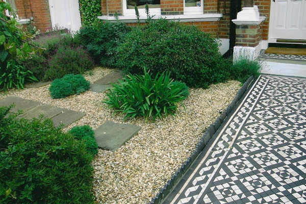 Planting schemes belle gardens 01580 201354 for Low maintenance small front garden